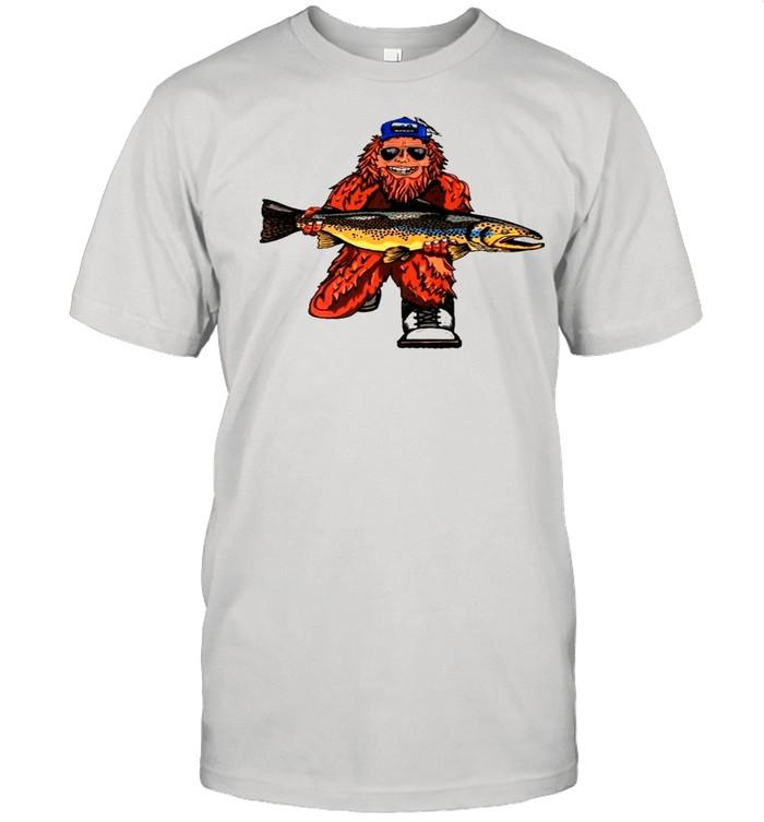 Bigfoot hug fish shirt Classic Men's T-shirt