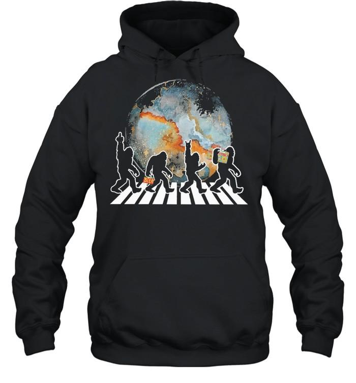 Bigfoot moon abbey road shirt Unisex Hoodie