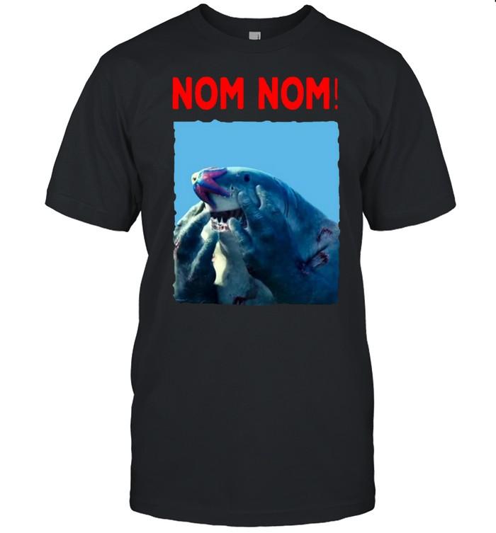 Nom nom king shark shirt Classic Men's T-shirt
